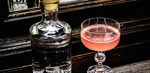 Cocktail Gin Pêche Hibiscus
